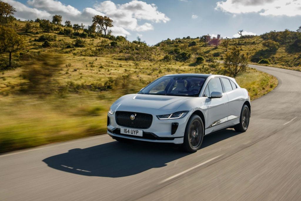 Le nouveau I-Pace peut être construit au Royaume-Uni, mais peut-il prendre le modèle X Tesla?