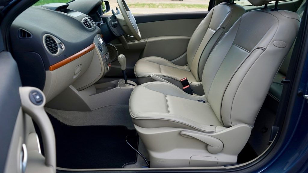 clean your car's interiors