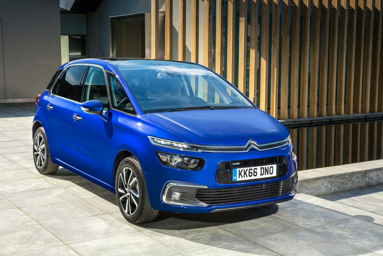 C4 Picasso is a great looking people carrier for less than £10,000.