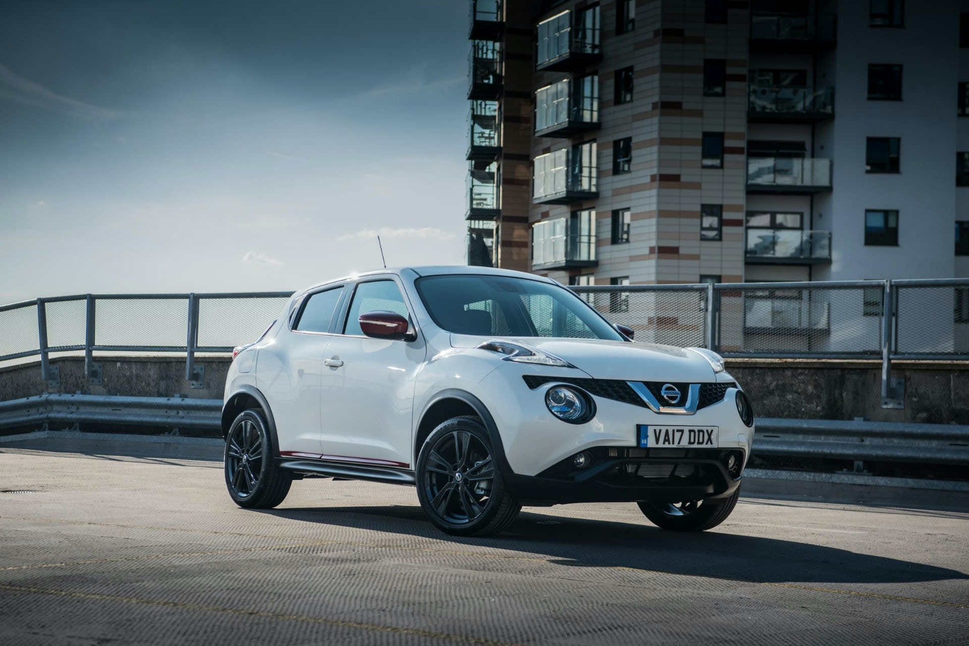 It might not be to everyones taste but the Nissan Juke is a great crossover for less than £10,000.