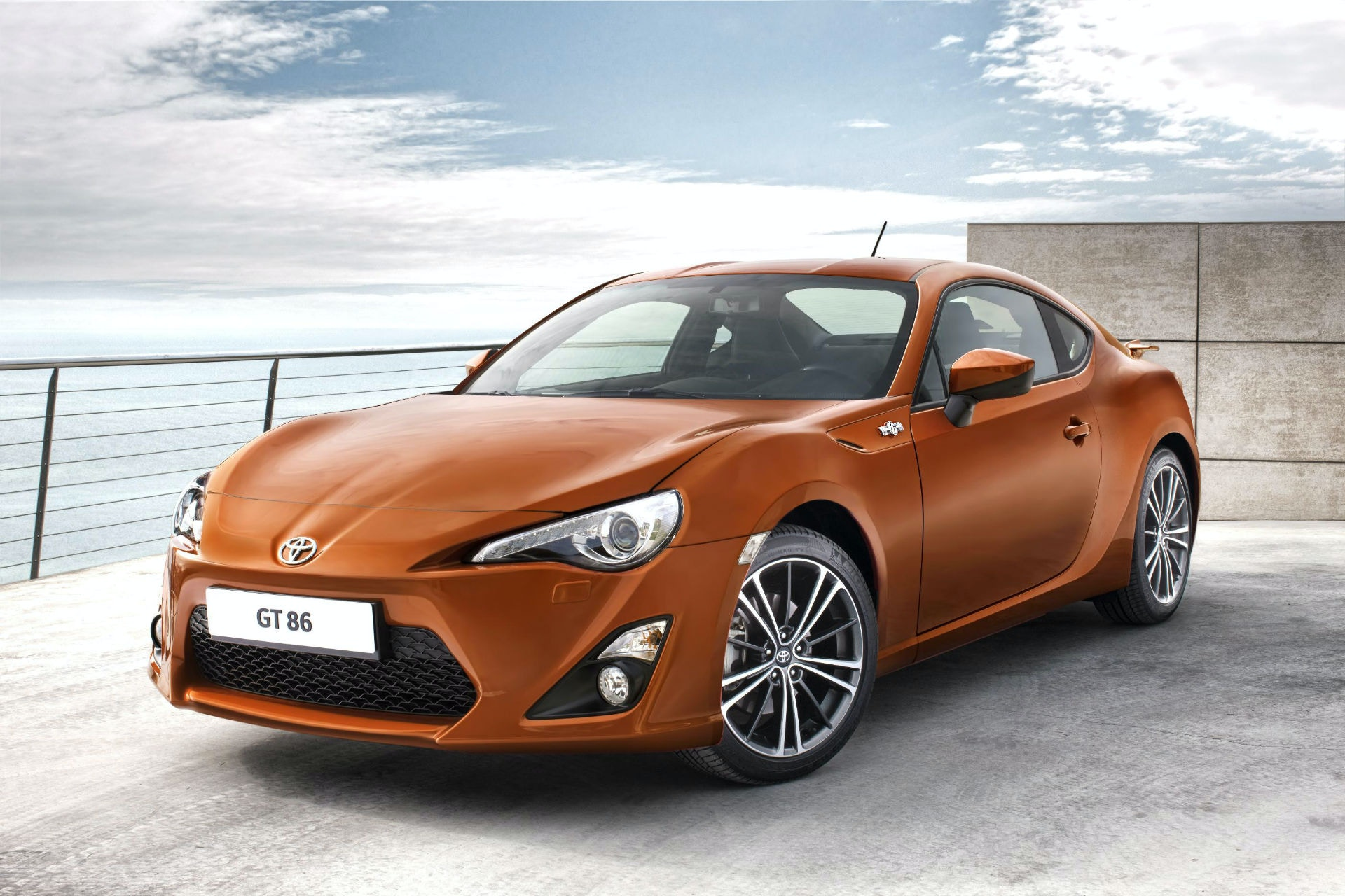 Toyota's GT86 can be a fun rear wheel drive sportscar for less than £10,000.