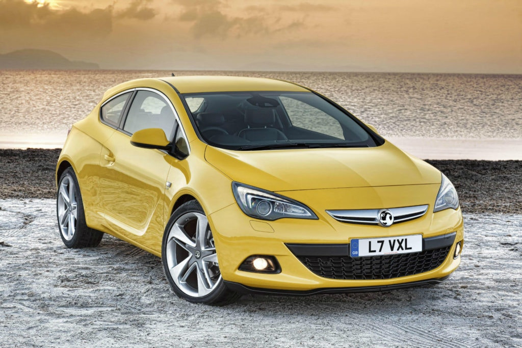 Vauxhall Astra GTC is a stunning looking hatch that comes in under our £5,000 budget
