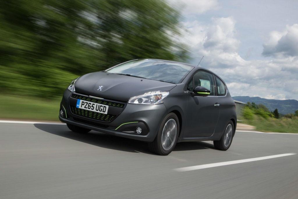 La Peugeot 208 bluehdi est la petite voiture à hayon la plus économe en carburant actuellement en vente.