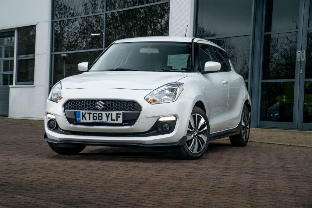 Si vous recherchez la praticité et le look sportif, rendez-vous sur la page des offres PCP pour la Suzuki Swift Attitude.