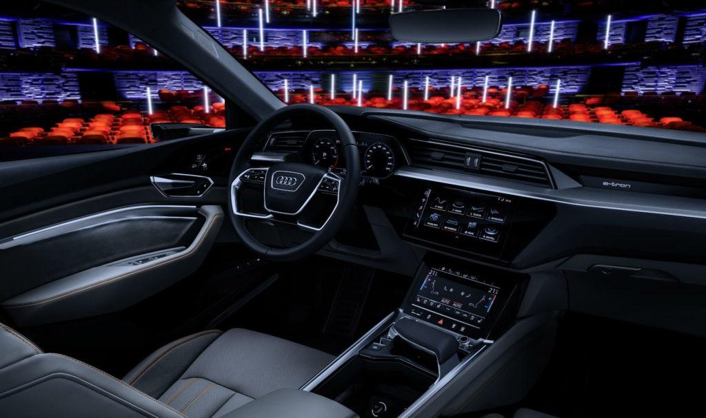 Tableau de bord intérieur d'Audi etron